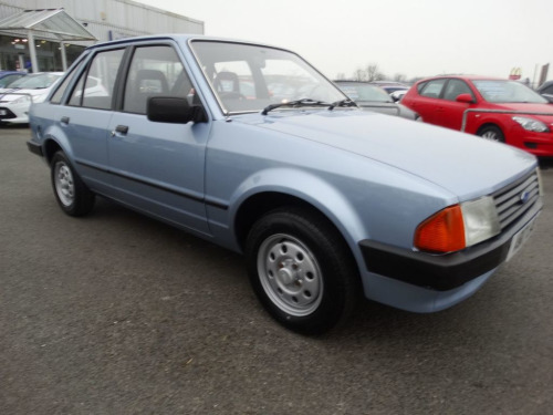 Ford Escort  1.3 L 5d 60 BHP FULL SERVICE HISTORY, IMMACULATE!