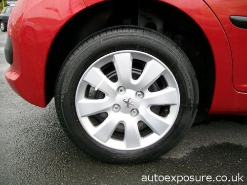 Peugeot 207  1.4 16v 90 S Hatchback 5d 1360cc