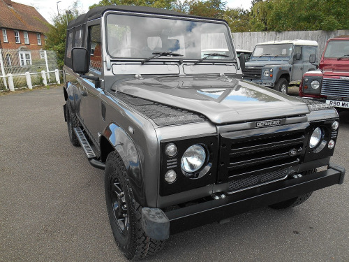 Land Rover 110  110 SOFT-TOP TD5 2-Door