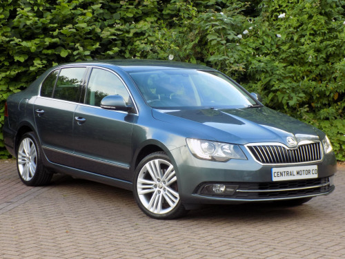 Skoda Superb  ELEGANCE TDI CR DSG 5-Door