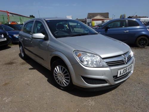 Vauxhall Astra  1.4 i 16v Life 5dr