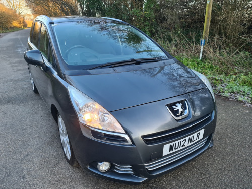 Peugeot 5008  1.6 HDi 112 Allure 5dr 7-SEATER