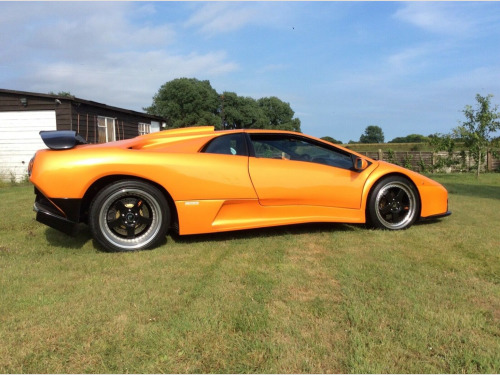 Lamborghini Diablo  ALL VARIANTS 2-Door