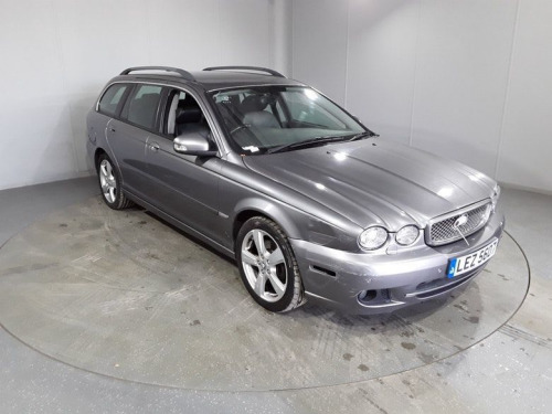 Jaguar X-TYPE  2.2 SE 5d 145 BHP 12 MONTH MOT & 12 WARRANTY