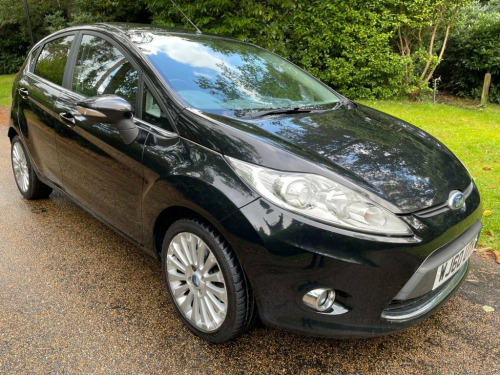 Ford Fiesta  1.6 TITANIUM 5d 118 BHP Free Nationwide Delivery**