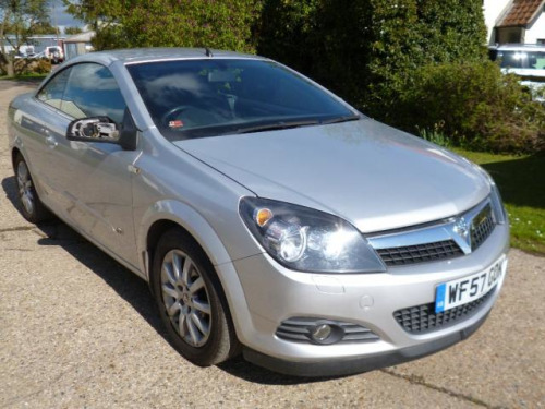 Vauxhall Astra  1.8 Twin Top Sport Convertible 2d 1796cc